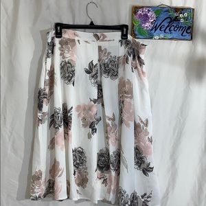 City chic floral skirt M 18 NWT